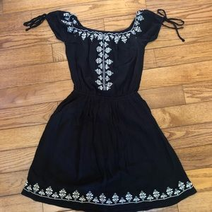 HOLLISTER Black Dress w/ White Embroidery